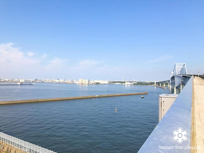 中央防波堤側から見た若洲方面