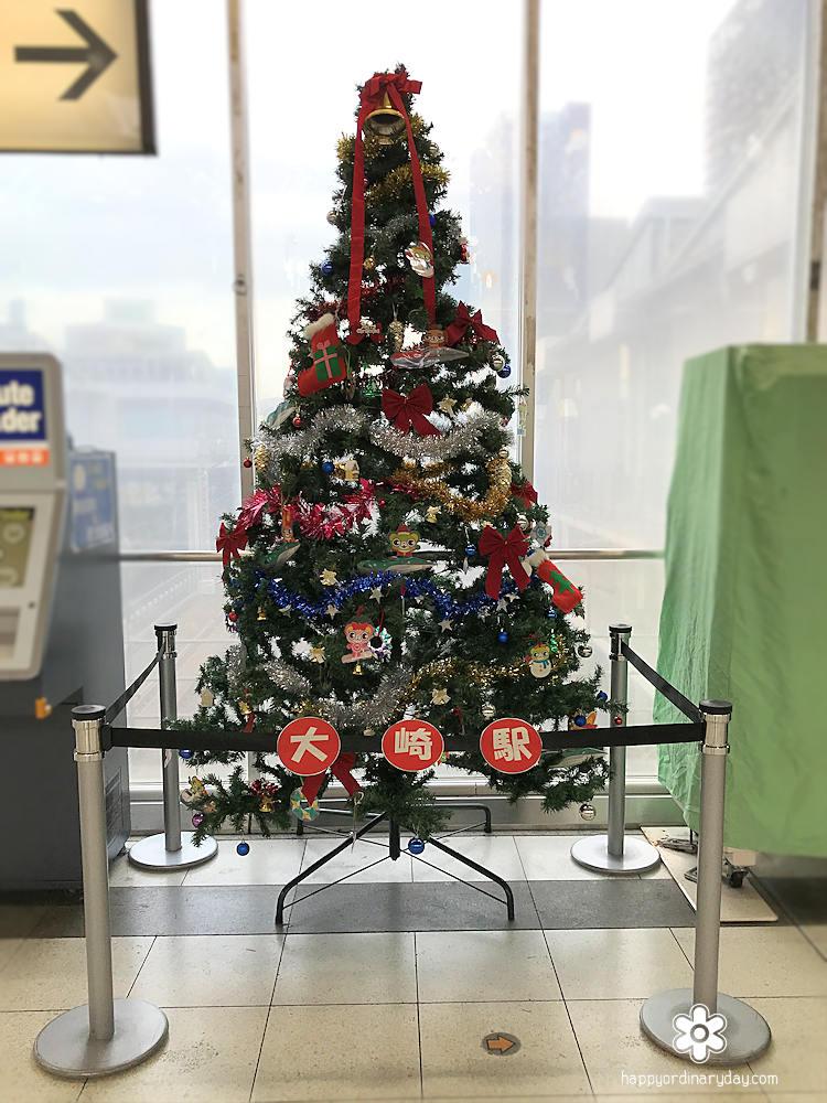 大崎駅構内のクリスマスツリー
