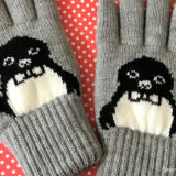 「Suicaのペンギン 手袋」と黄色いサンタさんからの優しいクリスマスプレゼント