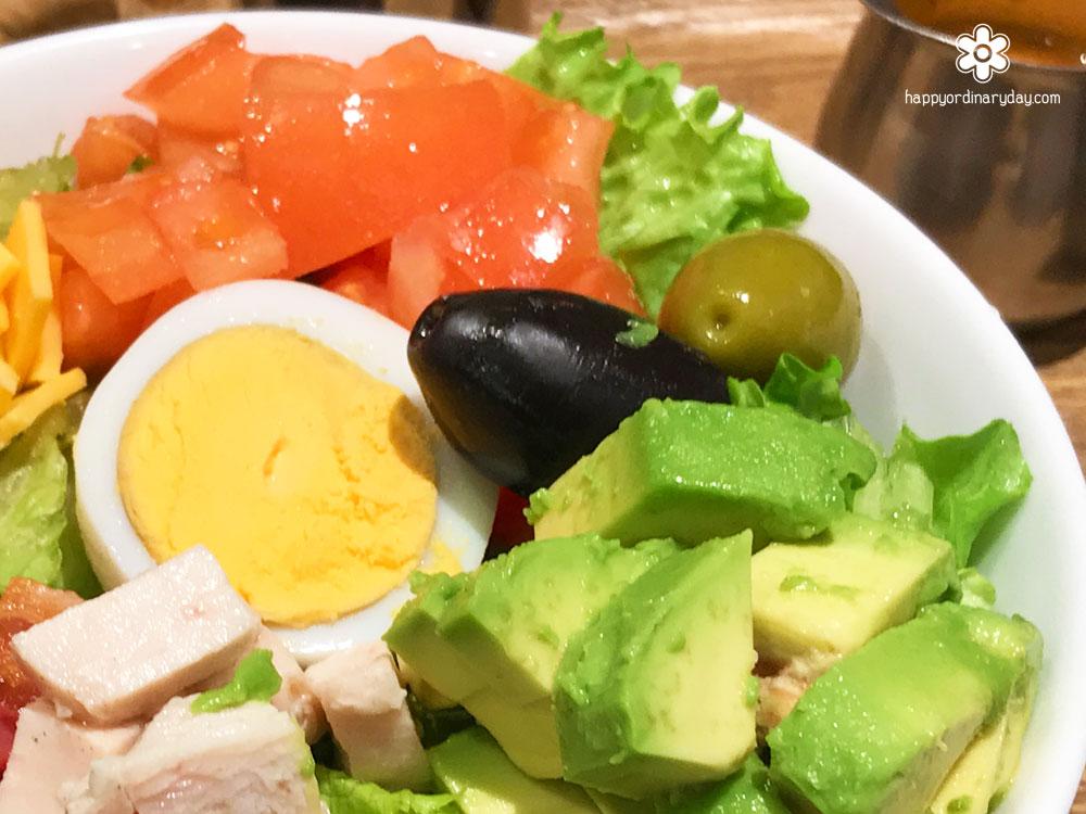 帰国後の野菜不足解消におすすめ!ザ・ターミナルカフェ aspera の「コブサラダスープセット」